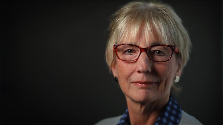 Dr. Linda Slocombe